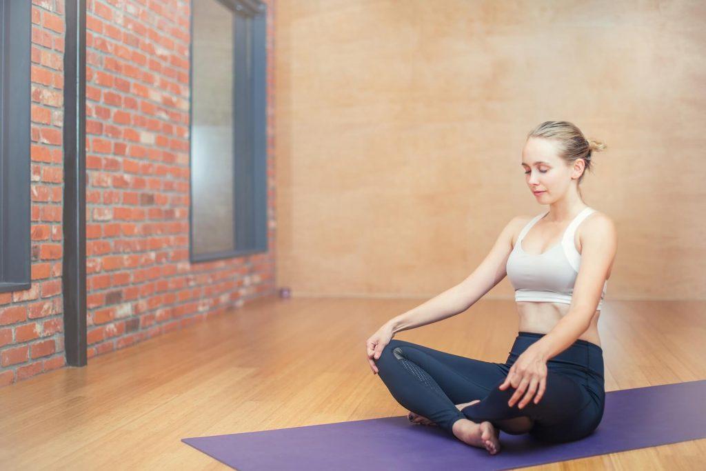 Pour traiter le stress naturellement faites du yoga