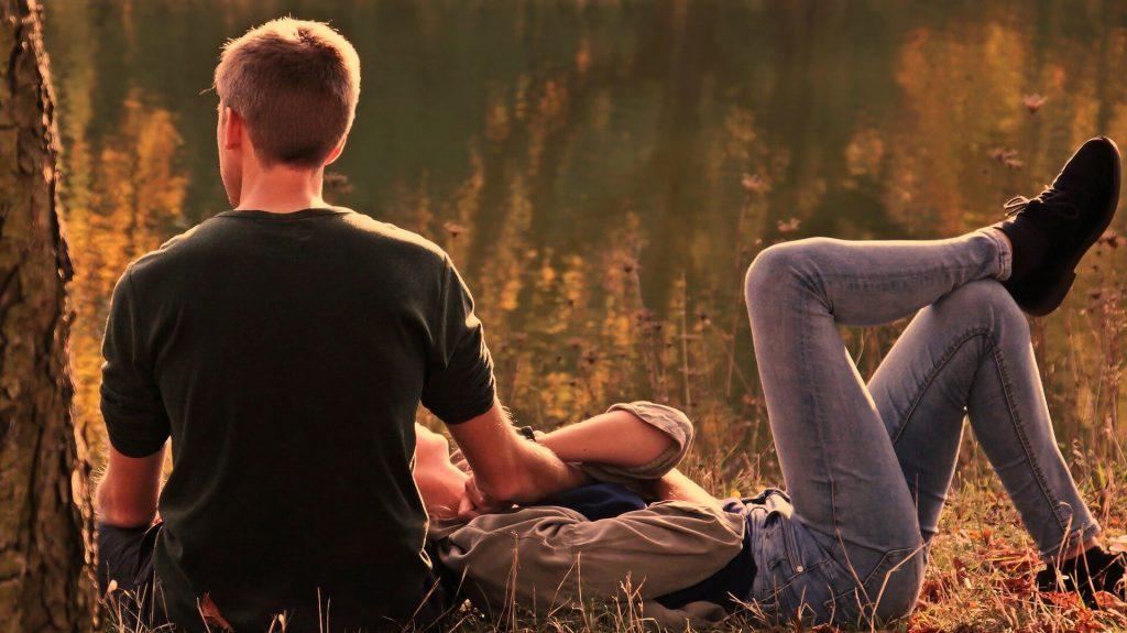 Se relaxer entre amoureux pour se soulager du stress