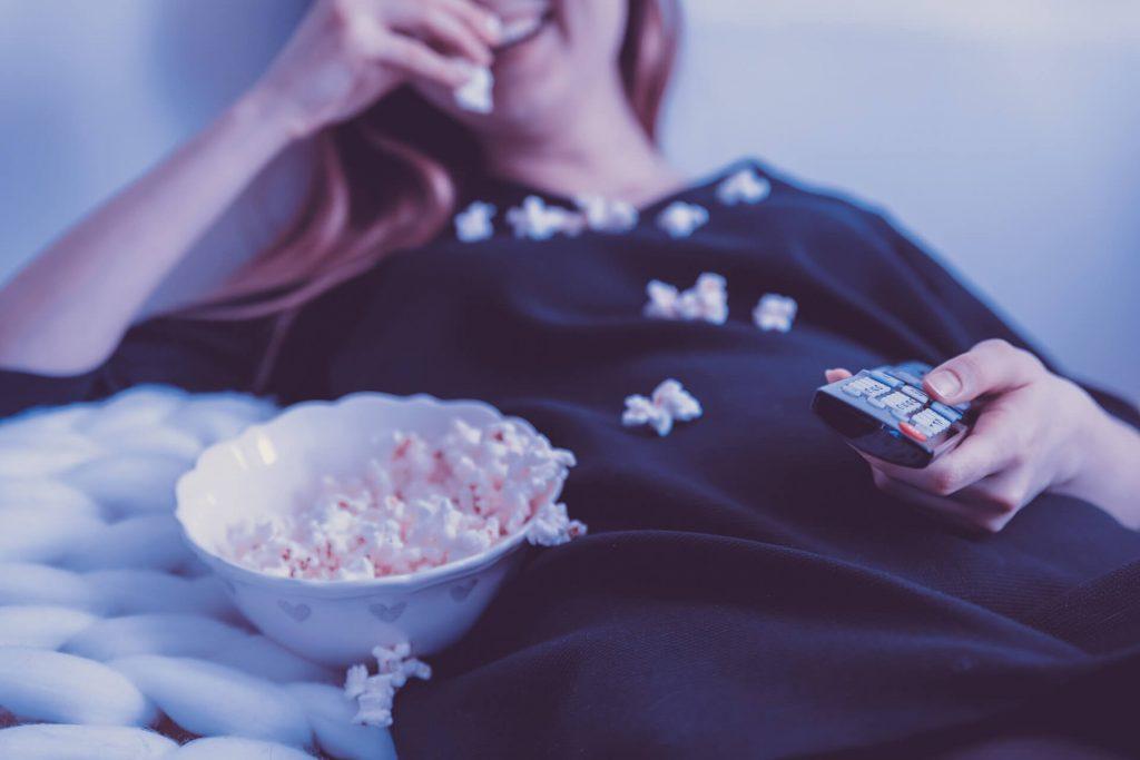 Se détendre devant un bon film pour ne plus être stressé