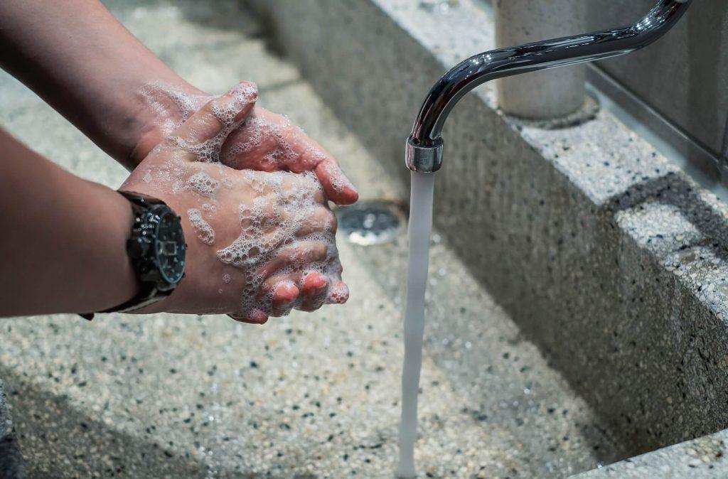 Lavez-vous les mains lors du coronavirus